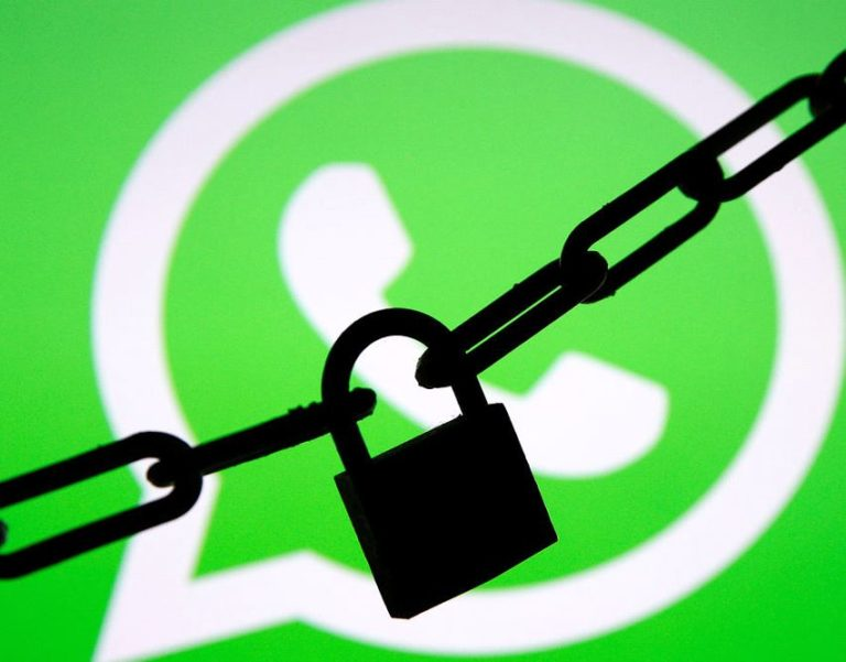 WHATSAPP WAS AFFECTED BY A BUG THAT ALLOWED HACKERS TO ACCESS PRIVATE CHATS